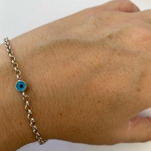 Jewelry - 🧿Silver blue evil eye bead bracelet